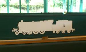 炭水車を引く、3番のきかんしゃは・・・