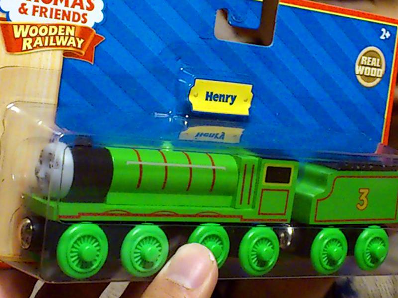 ヘンリー(きかんしゃトーマス木製レールシリーズ)写真付きレビュー